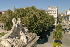 fontaine de la Place Colmbert