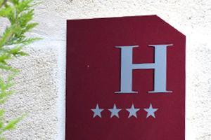 plaque d'un hotel